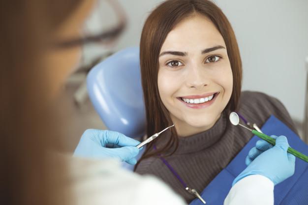 La implantología dental es solo recomendada bajo el tratamiento de un profesional